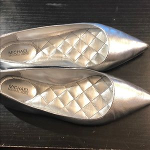 Brand new Michael kors silver flats pointy 6.5